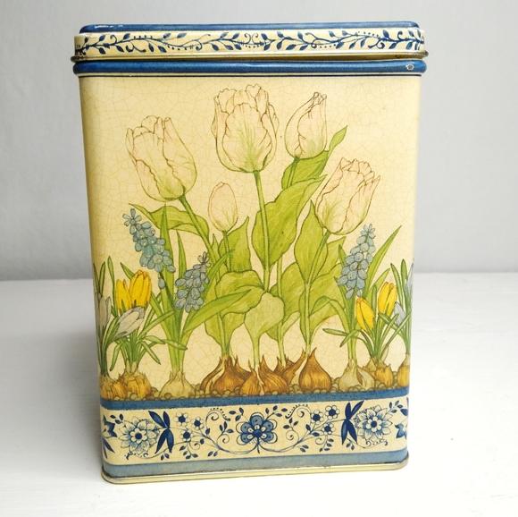 Vintage Hallmark Tin, Square Metal Spring Flowers
